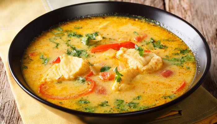 Thaisuppe med torsk og rød karri