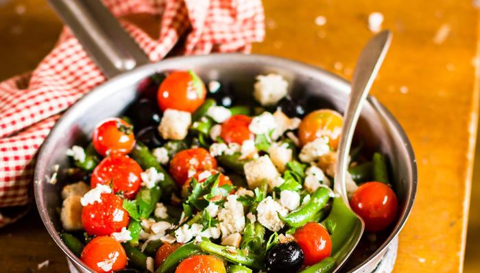 Varm bønnesalat med fetaost